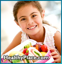 Tips for parents: what to do and how to present the food to your preschool child to teach them to eat healthy.