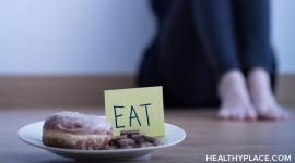Many difficulties arise in treating eating disorders which can derail the treatment process. Learn about treating eating disorders to avoid these pitfalls.